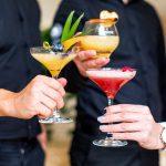 Koktél, ital, bármixer, mobil bárpult, koktél keverés rendezvényen, TopGunLive Show