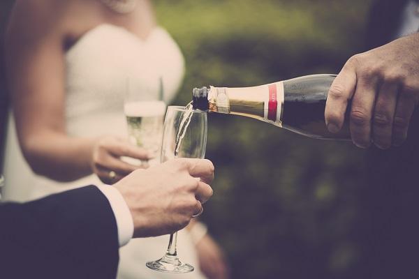 Segítség italkalkulációhoz, italcsomagok választásához esküvőre