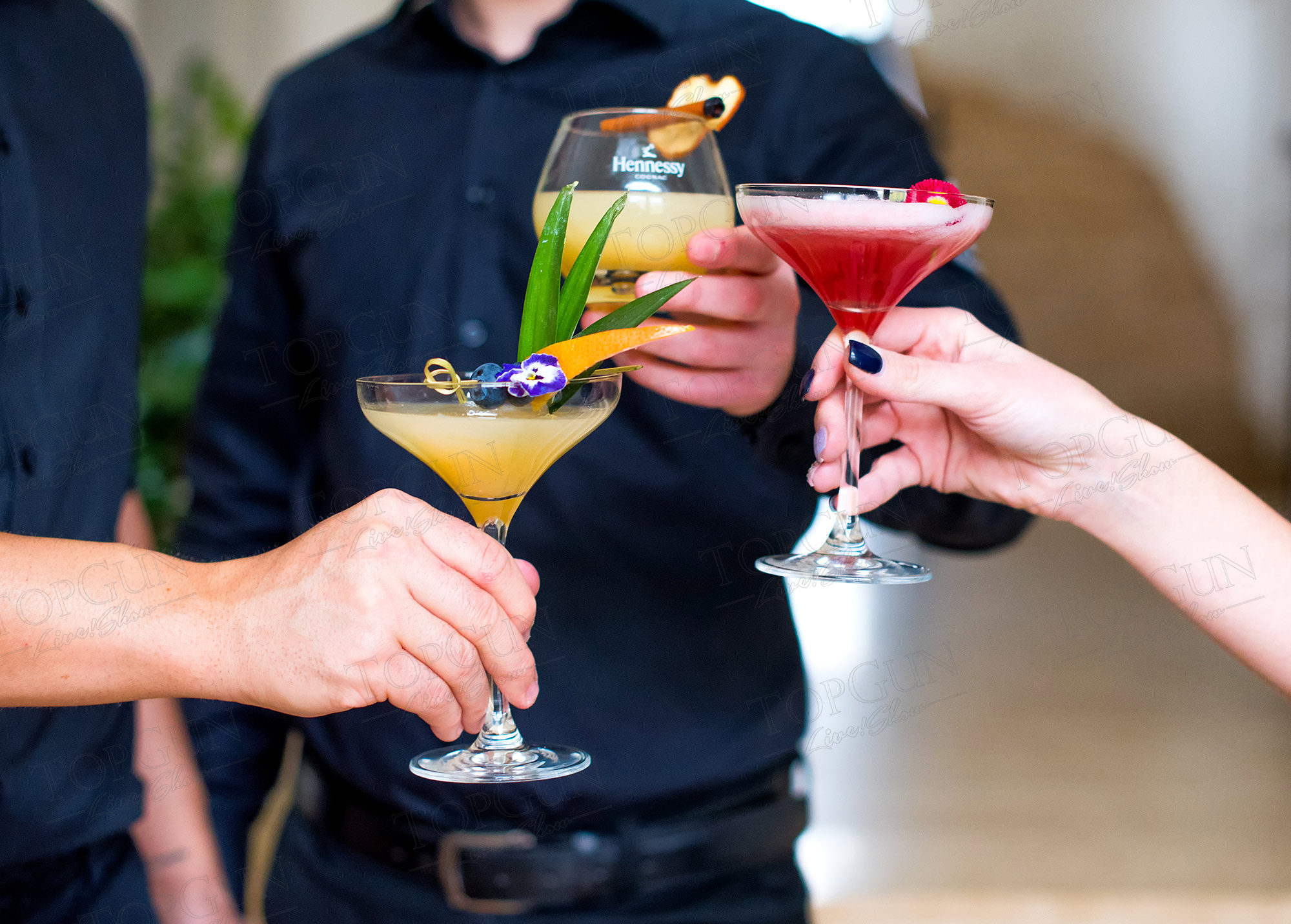 Koktélok, italok, bármixer bérlés céges rendezvényre